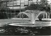Perlstein Hall and Fountain, Illinois Institute of Technology, Chicago, Ill.